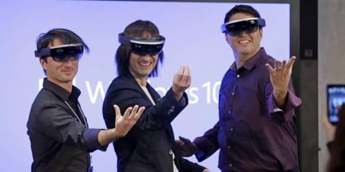 Hololens, Microsoft - Avec ses lunettes connectées, Microsoft souhaite mettre en avant la réalité mixte qui mêle éléments virtuels à un environnement quotidien. Comme pour la réalité virtuelle, elle nécessite un équipement spécifique tel que des lunettes et un casque audio spécifiques.